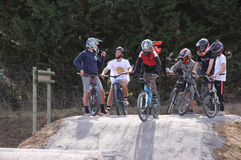 Stages d'initiation au Pumptrack